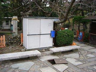 20080222-bench-castle00.jpg