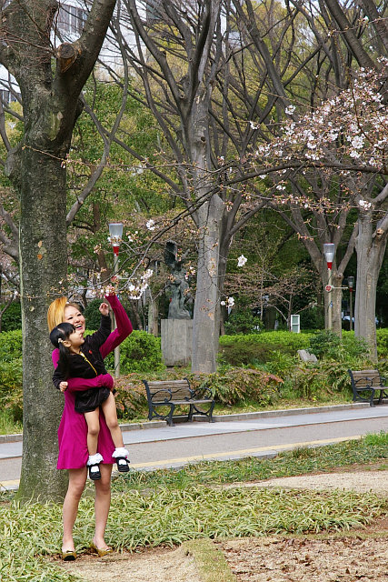20100321-utsubo-mother-girl.jpg