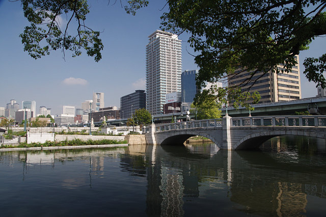 20100911-nakanoshima-rosegardenbridge.jpg